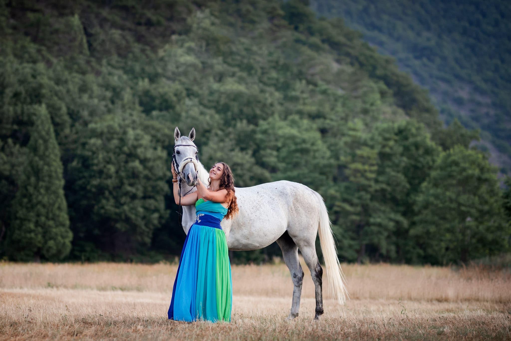 séance photo avec un cheval à Digne les Bains