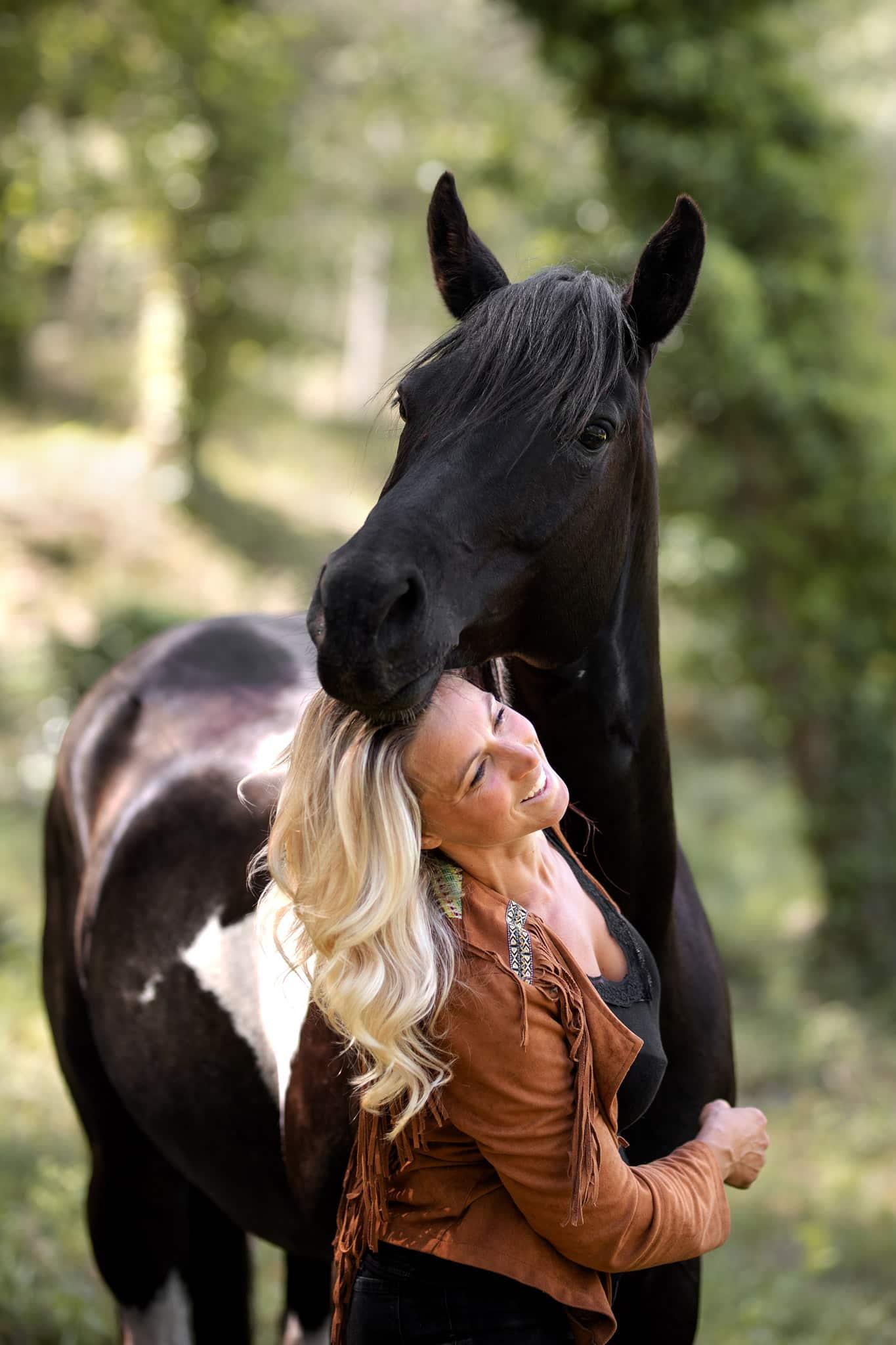 séance photo avec un cheval à Fréjus dans le Var