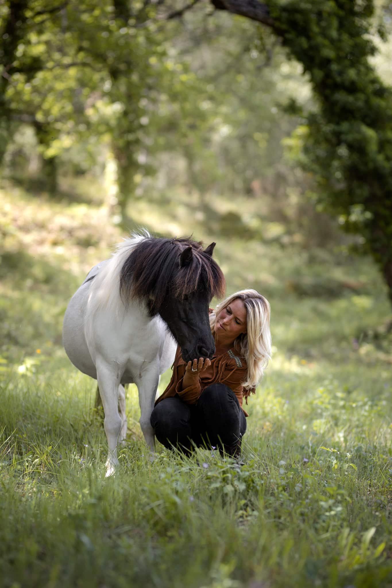 séance photo avec un cheval dans le Var